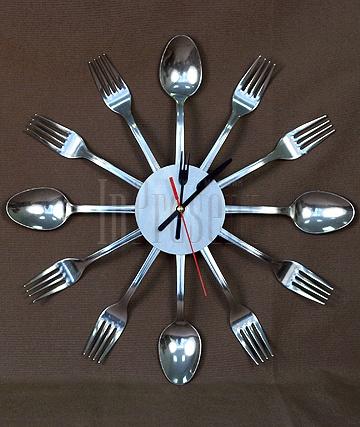 Часы на кухню своими руками из ложек 13